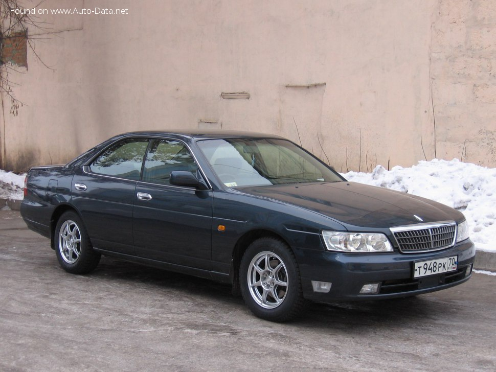 Nissan Laurel (E-HC35/E-GC35) - Photo 1