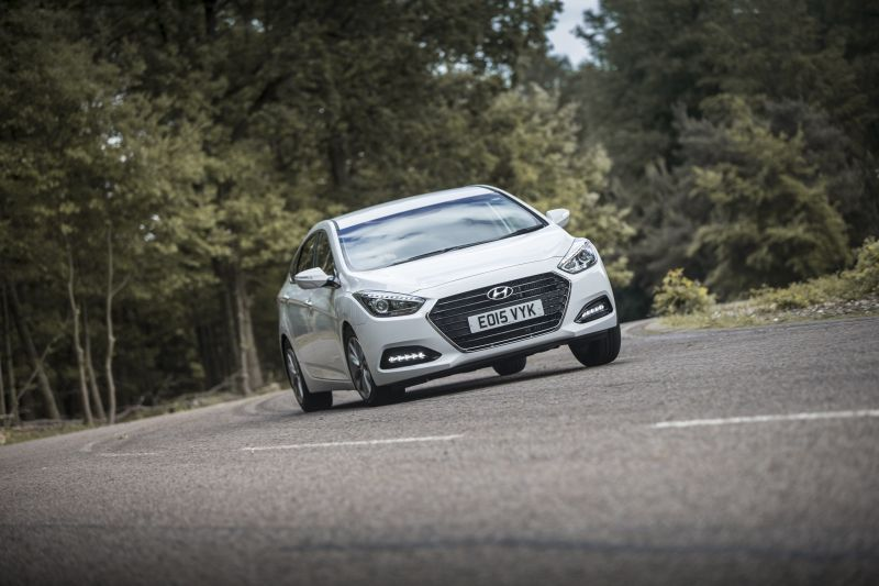 Hyundai i40 Sedan (facelift 2015) 1.7 CRDI (141 Hp) Automatic - Tekniske data, Forbruk, Dimensjoner