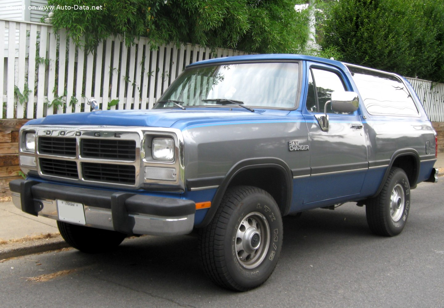 1987 Dodge Ramcharger 5 9 I V8 193 Hp Technical Specs Data Fuel Consumption Dimensions