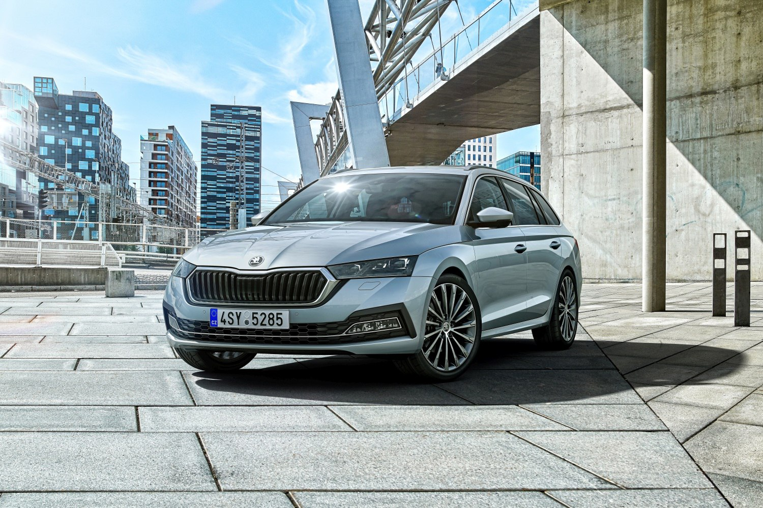 2020 Skoda Octavia Iv Combi Rs Iv 1 4 Tsi 245 Hp Plug In Hybrid Dsg Technical Specs Data Fuel Consumption Dimensions