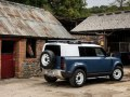 Land Rover Defender 110 - Photo 2