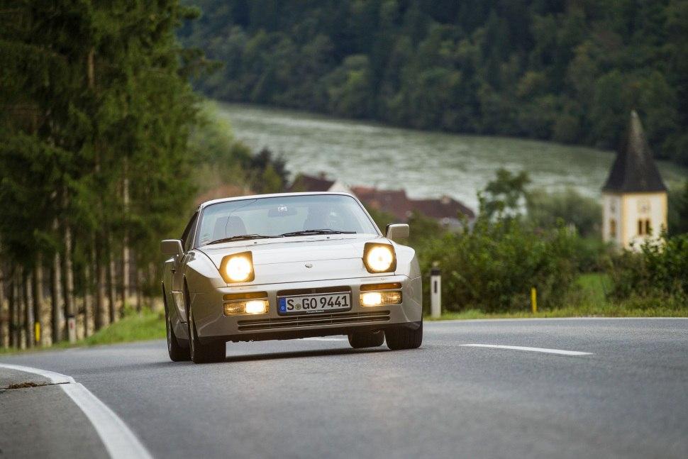 Porsche 944 25 Turbo 220 Hp Technical Specs Data Fuel