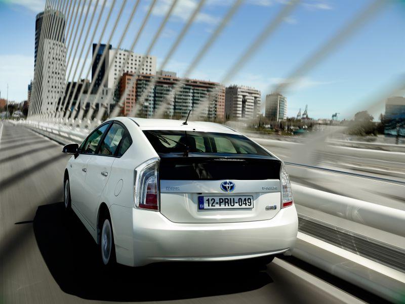 Toyota   Prius Plug In Hybrid (ZVW35)