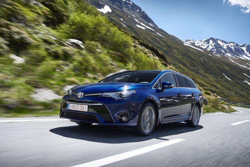 Toyota Avensis | Technical Specs, Fuel consumption, Dimensions