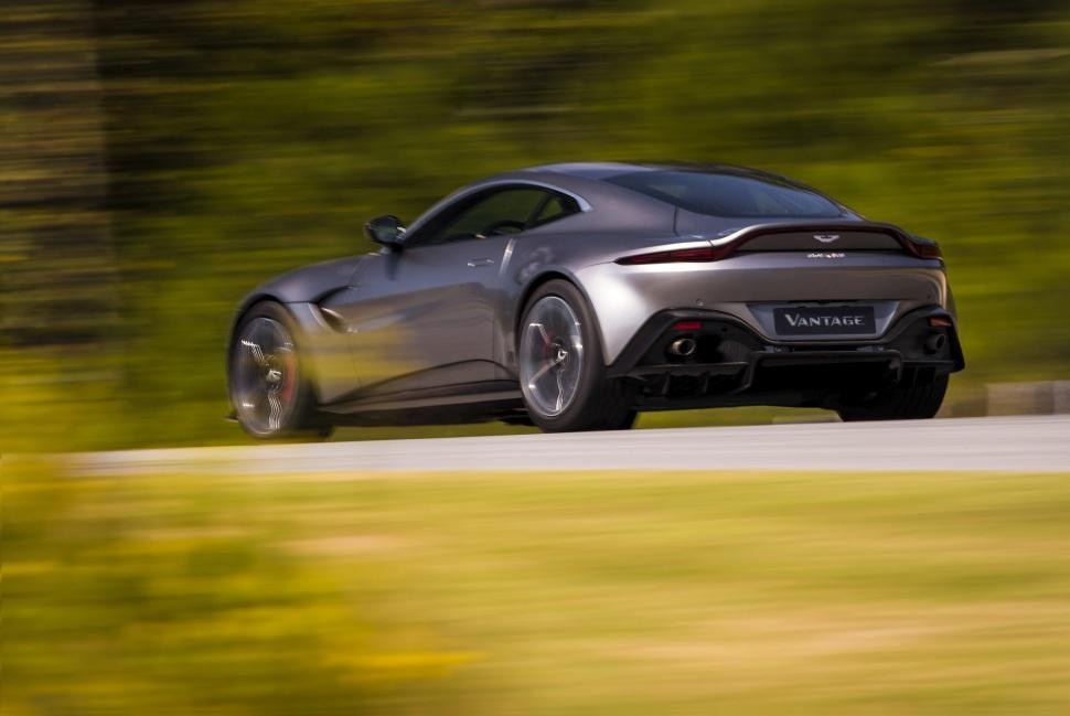 Images Of Aston Martin V Vantage - Aston martin v8 vantage 2018