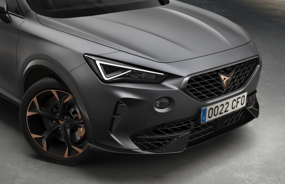 Side shot of Cupra Formentor hybrid