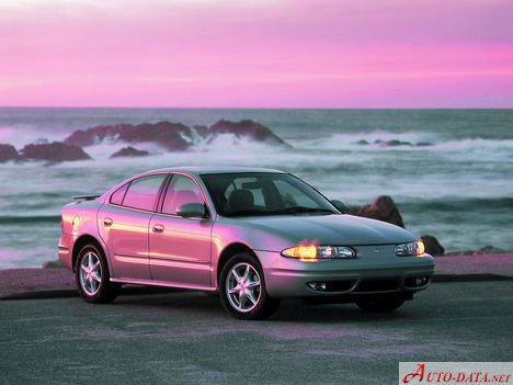 1999 Oldsmobile Alero - Photo 1