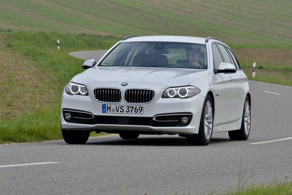 BMW 5 Series Touring (F11 LCI, Facelift 2013) 525d (218 Hp) xDrive Steptronic - Tekniske data, Forbruk, Dimensjoner