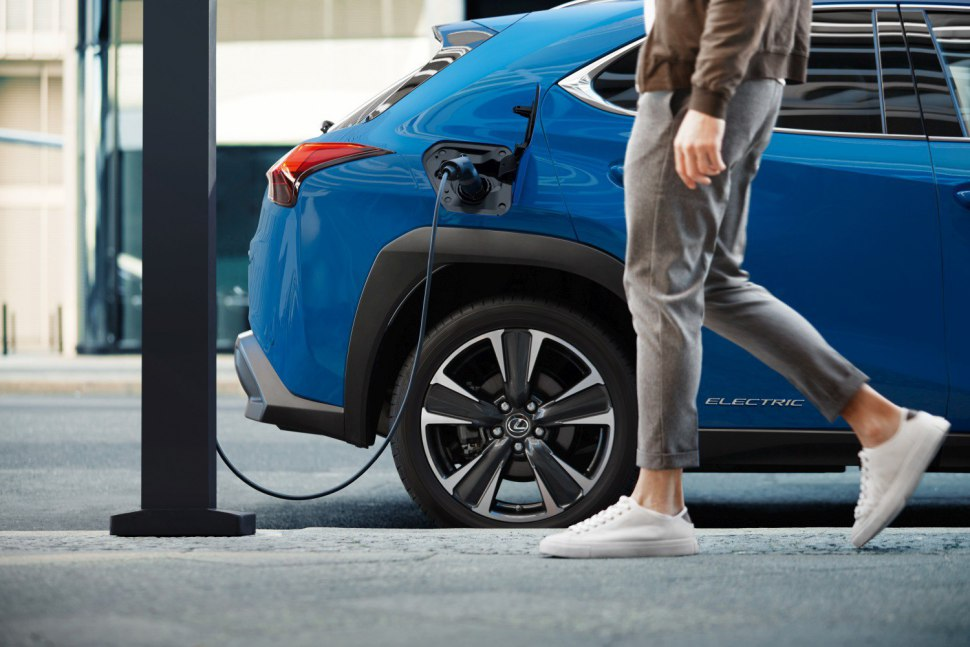 Lexus 2020 UX EV - charging for too long may cause problems