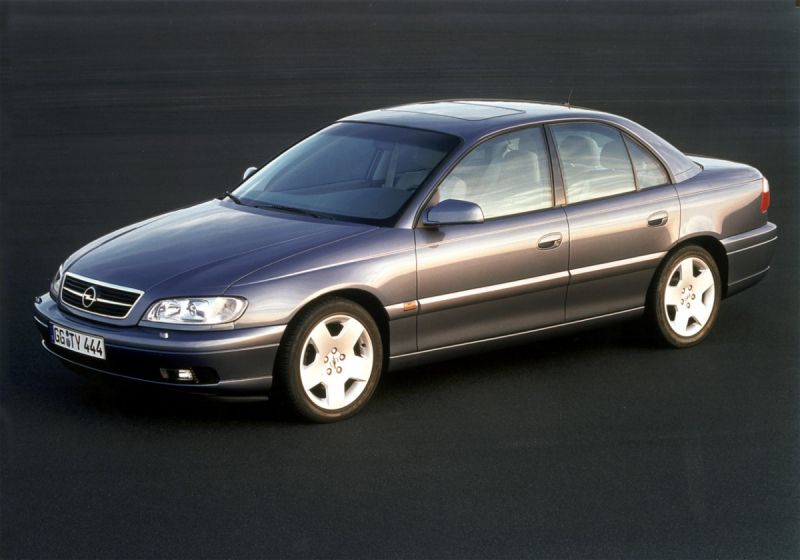 Opel Omega B (facelift 1999) 5.7i V8 (310 Hp) Automatic - Technical Specs, Fuel consumption, Dimensions