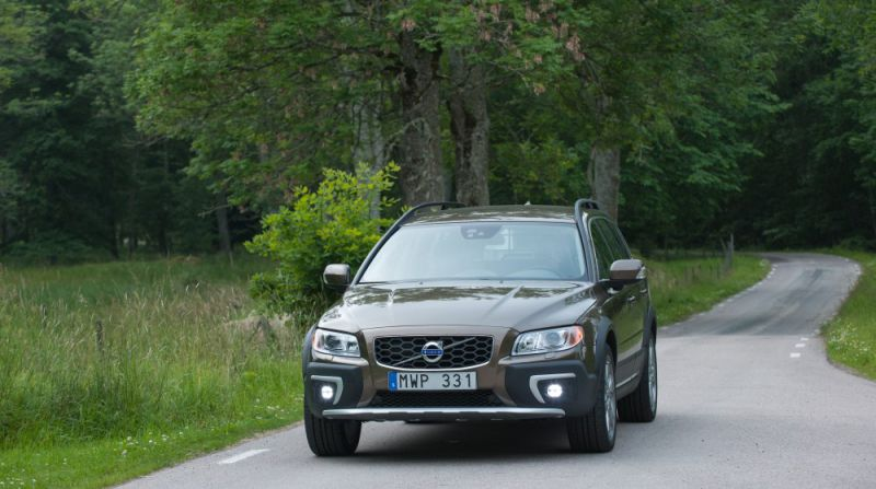 Volvo XC70 III (facelift 2013) 2.4 D5 (215 Hp) AWD Automatic - Technical Specs, Fuel consumption, Dimensions