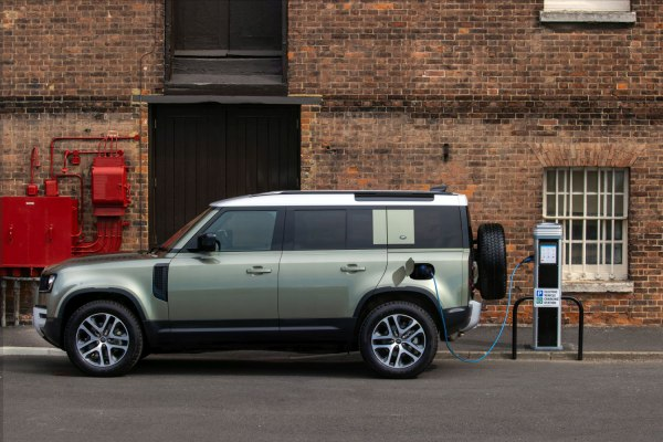 2020 Land Rover Defender 110 - Kuva 1