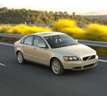 Technical specifications and fuel economy of Volvo S40