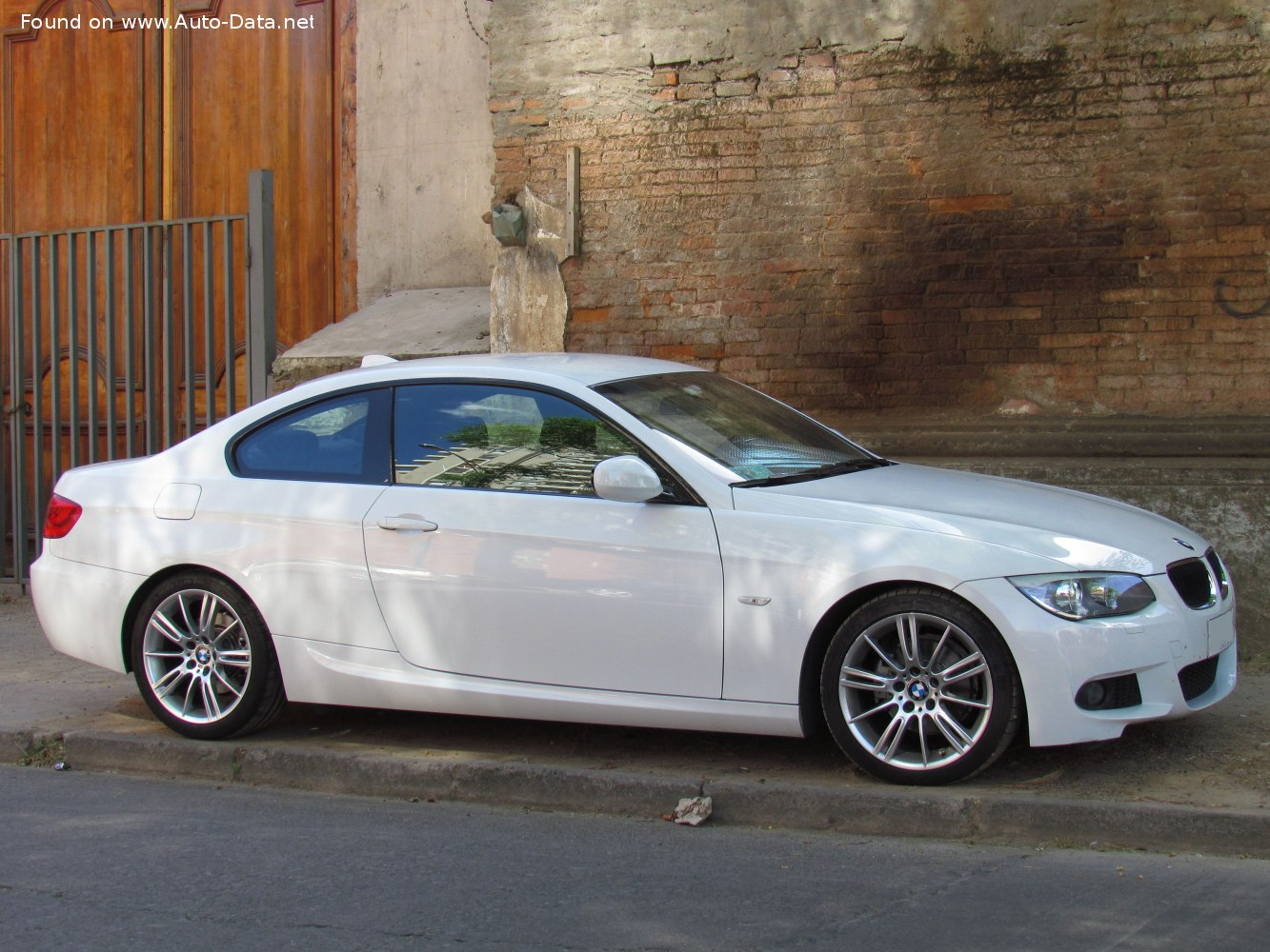 2010 Bmw 3 Series Coupe E92 Facelift 2010 318i 143 Hp Technical Specs Data Fuel Consumption Dimensions