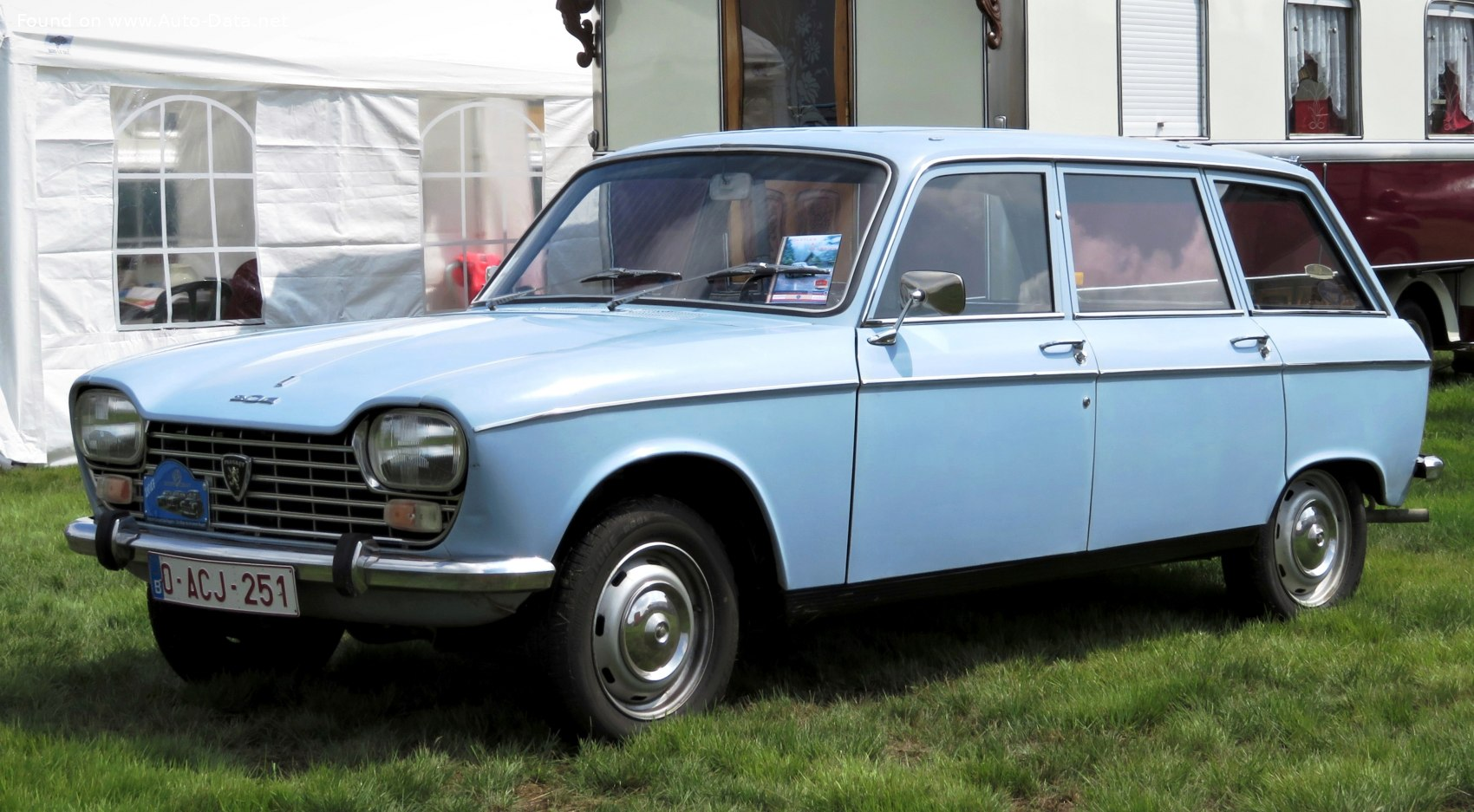 Peugeot 204 technical specifications and fuel economy