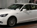 Technical specifications and fuel economy of Toyota Crown Majesta
