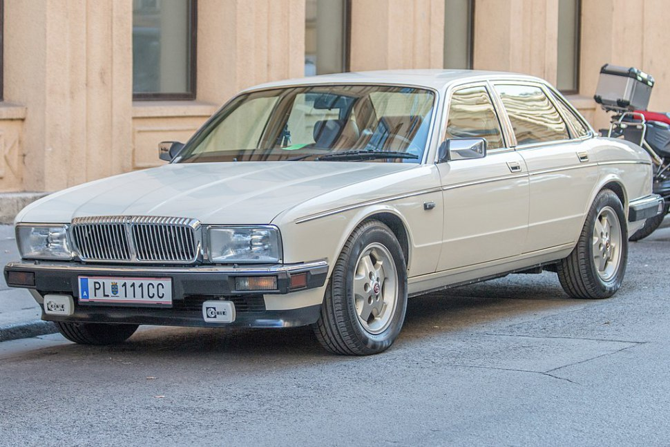 Jaguar XJ (XJ40/XJ81) - Photo 1
